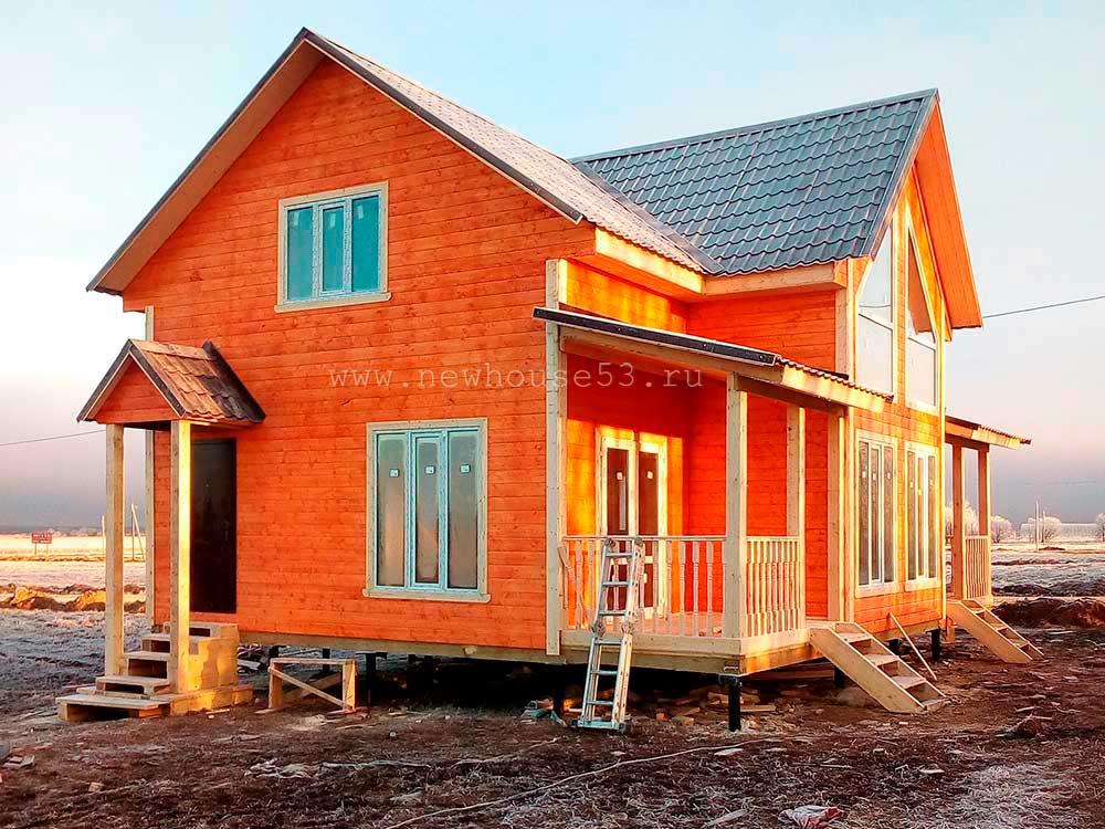 Завершено строительство каркасного дома 8х10м с мансардой в Ленинградской обл.
