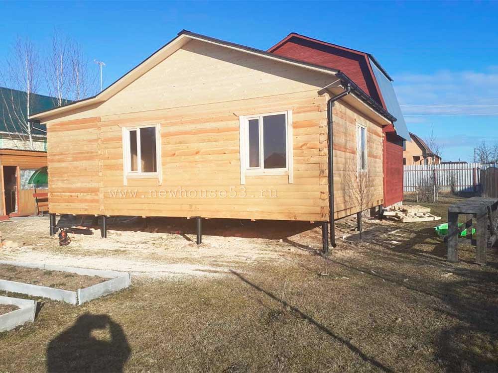 Завершили строительство пристройки к дому 6 на 6 в Московской области