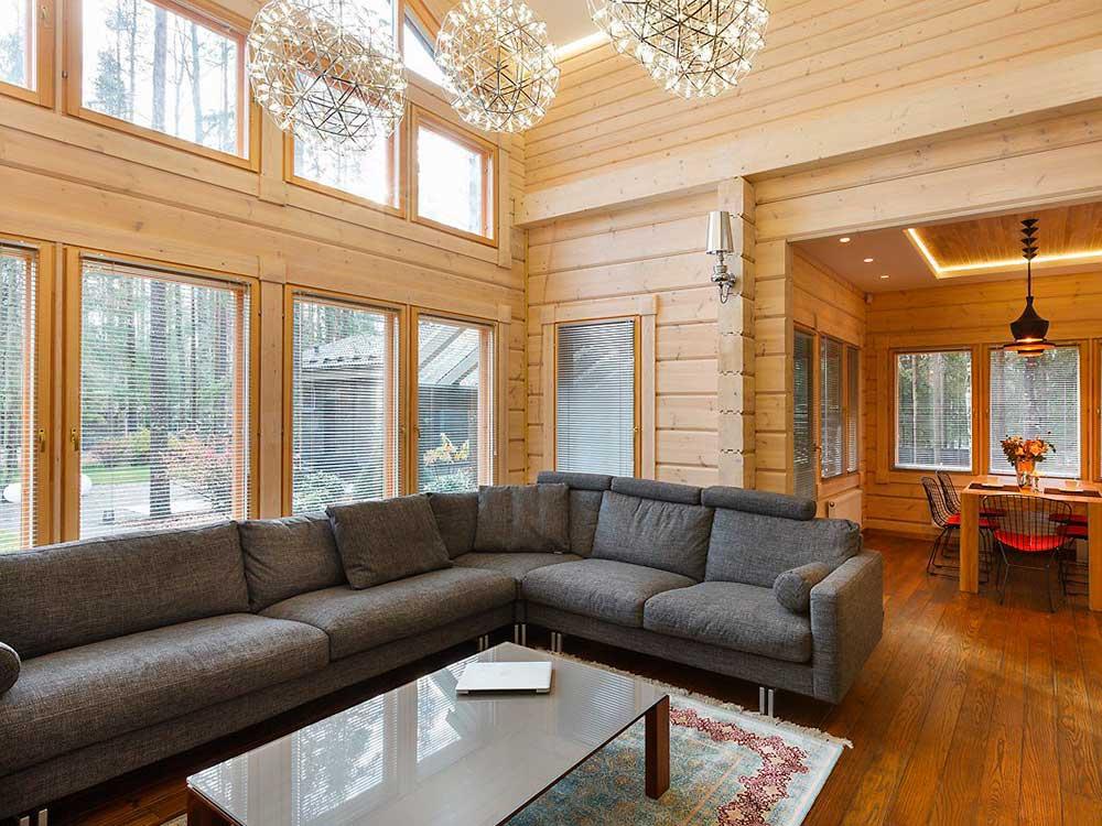 Дом из профилированного бруса с панорамными окнами